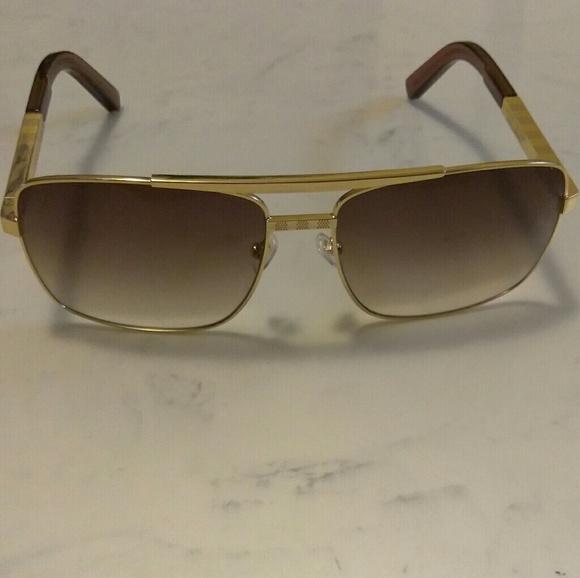 91322916695 Louis Vuitton Other - LV Attitude sunglasses gold